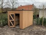 Modern tuinhuis met verticale beplanking